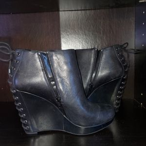 Gianni Bini Wedged Black Leather Ankle Booties 8